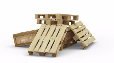 отправка : Turning around Wood Pallets and Transport box stacked in disorder