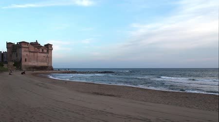 konak : Video clips of the Santa Severa beach in Italy with the fortress in the background. Stok Video