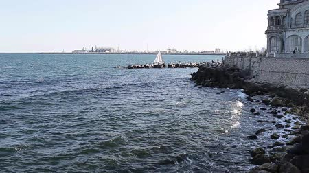 marítimo : The Black Sea in front of the Cazino in Constanta, Romania.