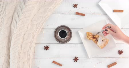 hónapokban : Breakfast with coffee and apple pie - Warm  coffee break during the winter months.