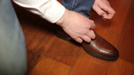 brown dress : young man dress shoes