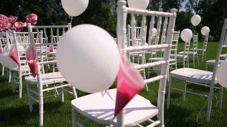 стулья : Wedding ceremony in the open countryside, summer, warm weather, Chiavari chairs.