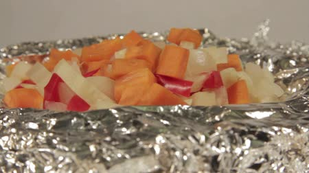 строгий вегетарианец : Fresh vegetarian food. Baked in foil potatoes and vegetables