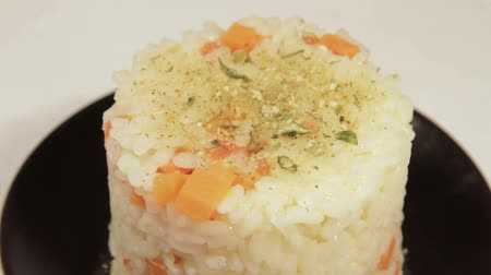 cozinhado : Asian food of rice with carrot