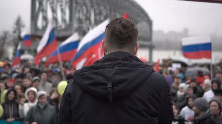 ралли : Rally organized by Navalny in May 2018 in Novosibirsk.