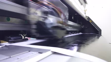 impressão digital : an inkjet printer head working