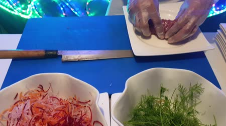 Preparation of a tasty dish of bluefin tuna sashimi in real time