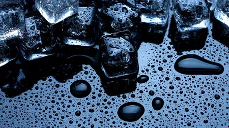 bloklar : Ice cubes melting