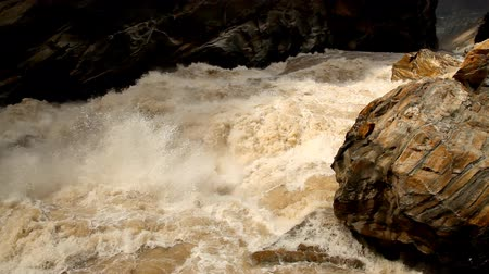 yangtze : Tiger Leaping Gorge. Yunnan Province, China Stock Footage