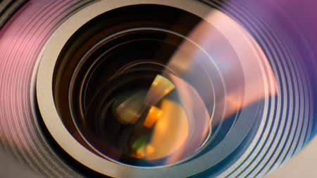 крупный план : Closeup of a zooming camera lens