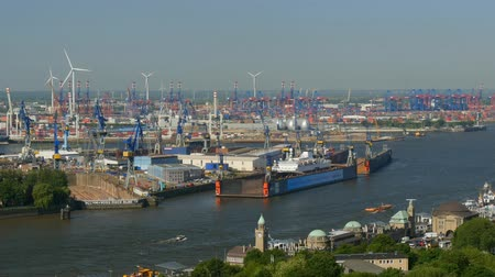europeu : Aerial view of Hamburg port, Germany Vídeos