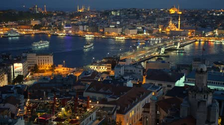 рог : Golden Horn after sunset view. Istanbul, Turkey.
