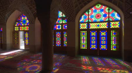 минарет : Nasir Al-Mulk Mosque in Shiraz, Iran. Pink Mosque