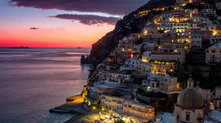 neapol : Sunset time lapse of Positano, Amalfi Coast, Italy. UHD, 4K