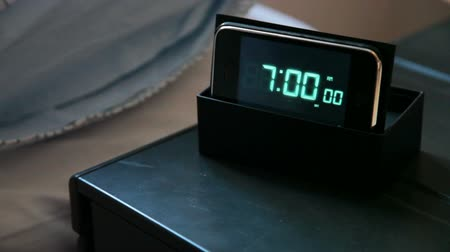 poplach : ring bell wake Up Alert  Clock at 7:00 AM