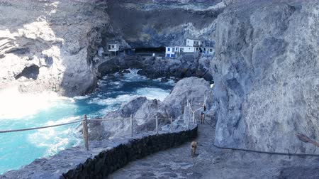 해적 : Pirate cave Poris de Candelaria, a hidden tourist attraction near Tijarafe