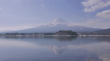 arquipélago : 4K Timelapse Movie - Mt.Fuji across ducks.