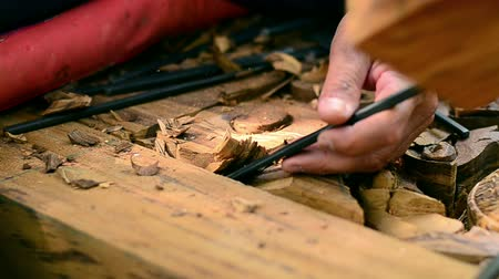 мебель : Close up wood carver working