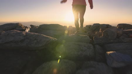 Woman Hiking in the Mount Kosciuszko at Sunset, Adventure Outdoor Active Lifestyle Wideo