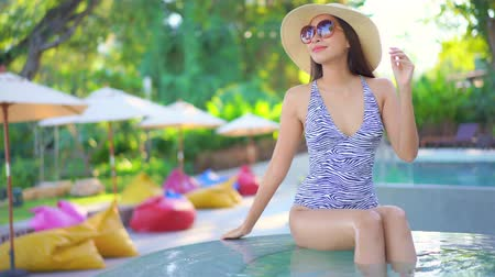 fascinante : Women around swimming pool in resort for relax in vacation