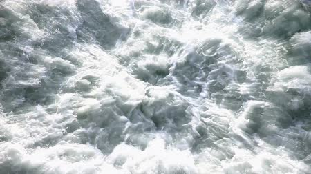espuma : Water gushing gushing processed with radiation effect and slow motion