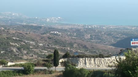 ciprus : The island of Cyprus with a view of the mountains to the sea Stock mozgókép
