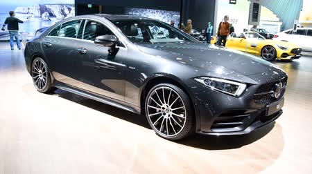 limuzína : Mercedes-Benz CLS mid-size luxury 4-door sedan (fastback) C257 limousine luxury saloon on display during the 2018 Brussels Motor Show.