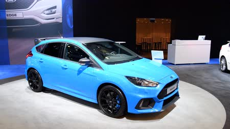 bruxelas : Ford Focus RS hatchback performance car on display at the 2018 European motor show in Brussels. Stock Footage