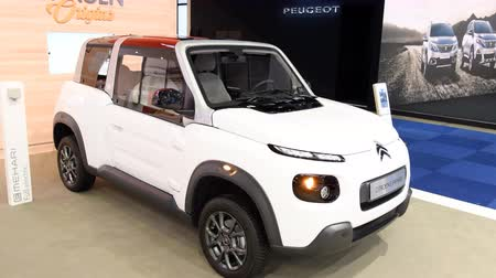 citroen : Citroën E-Méhari electrical off-road compact crossover SUV car on display at the 2018 European motor show in Brussels.