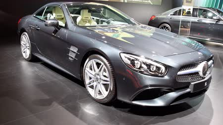 двухместная карета : Mercedes-Benz SL Class luxury exclusive convertible sports car on display during the 2018 European Motor Show Brussels.