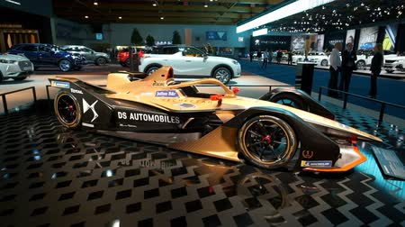 melez : BRUSSELS, BELGIUM - JANUARY 9: DS E-TENSE FE19 race car of the DS Automobiles Formula E Team competing in the FIA Formula E season championship on display at Brussels Expo Stok Video