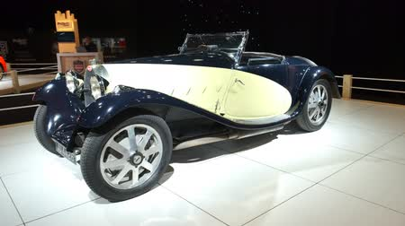 belgie : BRUSSELS, BELGIUM - JANUARY 8, 2020: Bugatti TYPE 55 classic car on display at Brussels Expo