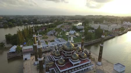 vista frontal : Islamic Mosque Aerial (drone) front view