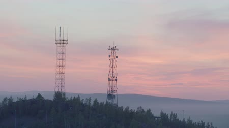 iletmek : Cell tower on the mountain