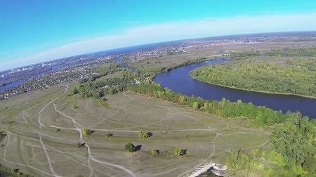 aeroespaço : Real plane POV flight from height of 1000 meters .Aerial shot with swings by wings