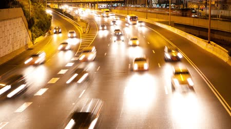 atividades : Time Lapse of traffic with Tilt Down
