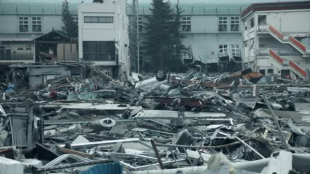 moloz : Fukushima Japan, city destroyed by tsunami Stok Video