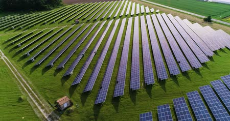 udržitelnost : Solar panels in aerial view