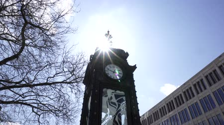 rathaus : Hanover, Germany, April 17 2018: The Kropcke Clock in Hannover city center.