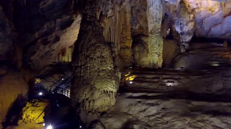 grotto : motion around giant stalactite columns of Paradise Cave