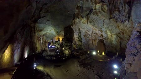 izlenim : tremendous geological cave illuminated by projectors Stok Video