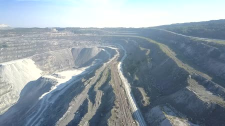 azbest : high view boundless landscape of asbestos mine open pit Wideo