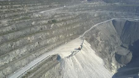 azbest : aerial motion from old terraces to asbestos pit canyon Wideo
