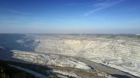 minério : impressive aerial panorama modern huge asbestos quarry against endless landscape under clear blue sky