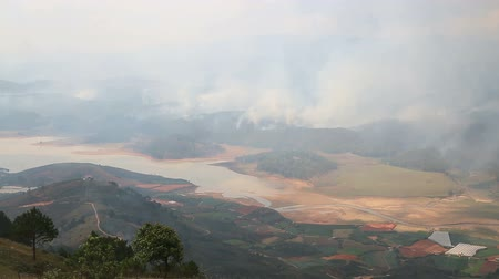 экономить : Wildfire in mountains vietnam Стоковые видеозаписи
