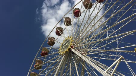 adrenalin : Ferris Wheel at German Fun Fair - Wide Shot