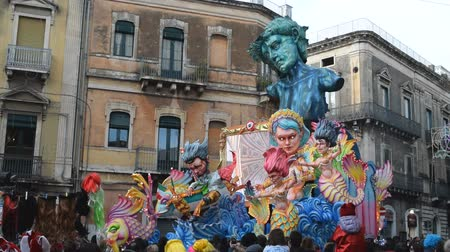 função : Acireale (CT), Italy - February 11, 2018: detail of a allegorical float depicting satire on Italian justice during the carnival parade along the streets of Acireale.