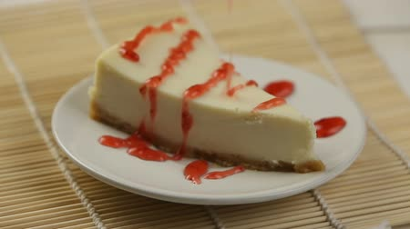 przetwory : delicious cheesecake with strawberries