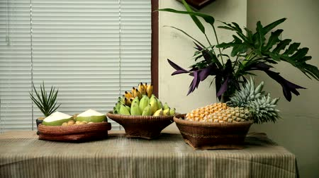 ananas : Tasty and healthy fruits on table, Backgrounds Dostupné videozáznamy