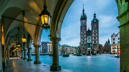lengyelország : Cloths Hall and Saint Marys Church at Market Square in Krakow, Poland, Europe
